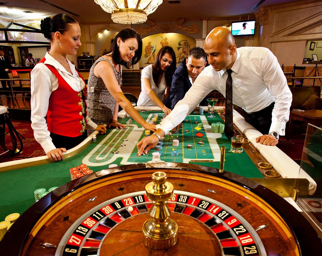 Dante ferretti casino
